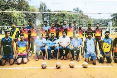 Both teams posed for a photograph just after the final game. Seated form left to right are Vidyarathana Coach B. Sudarshan, Shan Krappa (Sports officer Bangalore), Nageswar Rao (head Coach), Dilwin Mendis (Tour Manager). Picture by Moratuwa Sports Special Correspondent.