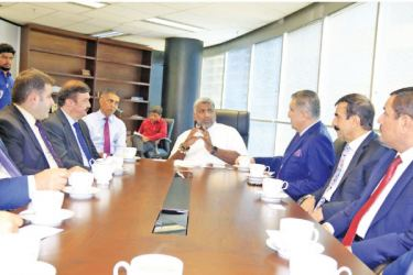 Minister Prasanna Ranatunga and the delegation led by Kurdistan Chamber of Industry and Commerce President Jaleel Qualeel during the discussions.