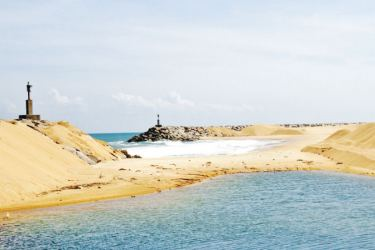 The Rs. 6 billion Oluvil harbour was forced to shut down for three years due to sand dunes at the entrance. Picture by Saliya Rupasinghe