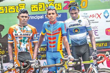 The winner of first stage Sanju Dimantha (center), 1st runner-up Sampath Weerasinghe (left) and 2nd runner-up Chathura Madushan (right).