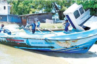 The dinghy along with the cannabis and liquor were handed over to the Trincomalee Harbour Police
