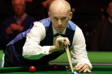 Former world snooker champion Peter Ebdon