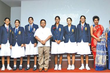 Sports Minister Dullas Alahapperuma with the six SAG medal winners who excelled at the GCE O/L exam at the felicitation ceremony at the sports Ministry Auditorium.Sport Ministry Secretary K.D.S Ruwanchandra, Director General of Sports Amal Edirisuriya and  Principals of Princess of Wales, Ladies College and Visakha are also in the picture.