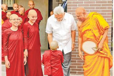 President Gotabaya Rajapaksa visited the Bhikkhuni Academy of the Manelwatte Viharaya in Kelaniya on Saturday and met its staff, Buddhist nuns and children of the Dhammachakkra Foundation. Picture by President's Media Unit.
