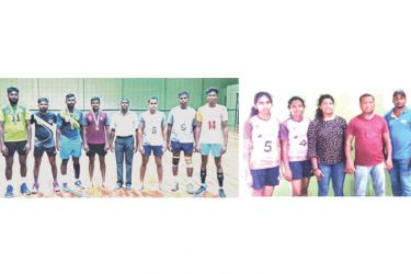 Bandaragama (on left)  and Bulathsinhala divisional secretariat men's and women's volleyball Champion's.