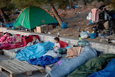 Greece sees end to Lesbos migrant crisis within a week