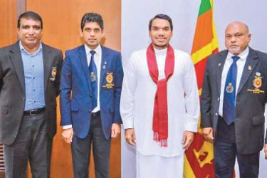 Minister of Sports, Namal Rajapaksa (2nd from right) along with NSSF President, Shirantha Peiris (extreme right) and NSSF Secretary, Pradeep Edirisinghe (2nd from left) during their meeting.