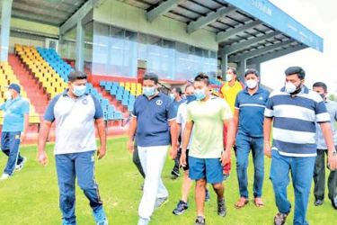 Sports Minister Namal Rajapaksa (third from left) made a visit to Durayappah Stadium in Jaffna to observe the present status of the Stadium. Also in the picture are Angajan Ramanathan, Jaffna District Development Committee Chairman and Member of Parliament, Thenuka Vidanagamage, State Minister of Rural and School Sports Infrastructure Improvement, Mayor of Jaffna Emanual Arnold and netball player Tharjani Sivalingam.