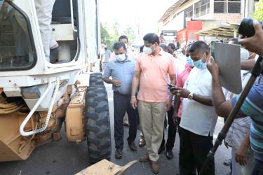 State Minister for Rural Roads and Other Infrastructure Nimal Lanza on the inspection tour in the Puttalam District.