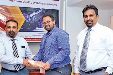 Thusitha Kuruppu, Manager Laxapana Hardware Distribution, G. Pathinayaka, Head of Sales and Marketing Lanka SSL and M. Pravin De Silva, Chief Executive Officer Lanka SSL.