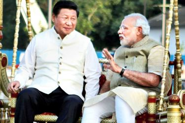 Chinese President Xi Jinping with  Indian Prime Minister Narendra Modi