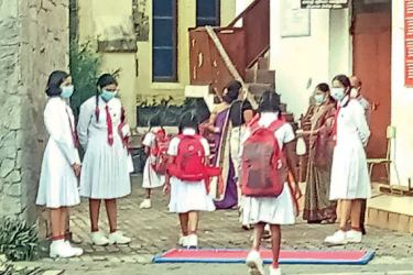 Galle Southlands College students attending school under 'new normal' situation (Picture by Mahinda P. LIyanage -Galle Central Correspondent)