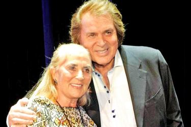 Engelbert Humperdinck with his wife of more than 50 years, Patricia, who has died of Covid-19.