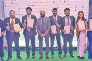 Dr.Gamini Wickramasinghe Founder and Chairman of Informatics Group with the award winning students
