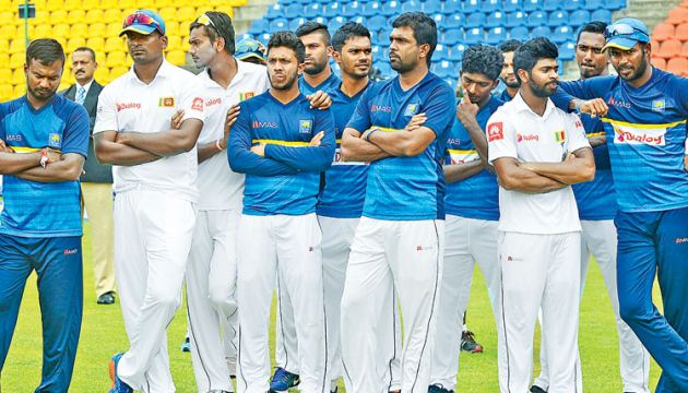 A dejected Sri Lanka team after their 3-0 whitewash against India at home. Pix AFP