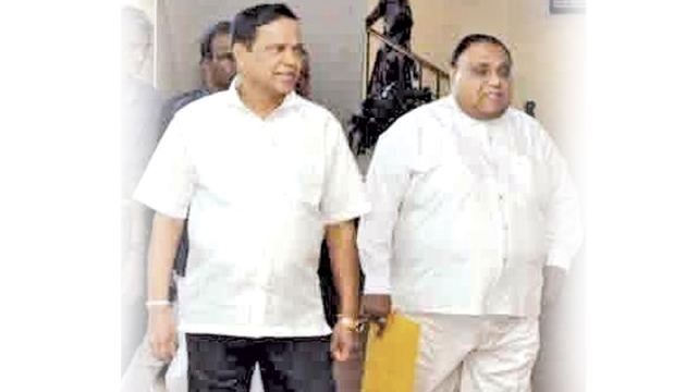 Southern Province Chief Minister Shan Wijayalal De Silva and Galle district Parliamentarian and SLFP Galle district leader Piyasena Gamage arriving at Galle District Secretariat to make the candddidates deposits in respect of the forth coming Local Government elections.