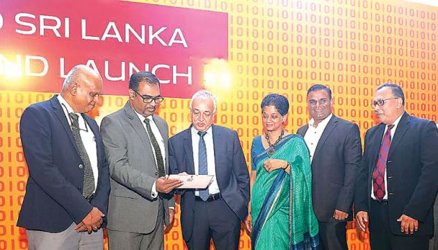 Minister Malik Samarawickrama, Chairperson, Export Development Board, Indira Malwatte and other ICTA officials at the launch in BMICH.