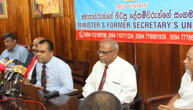 The Ministers' Former Secretaries' Union members addressing the media. Picture by Roshan Pitipana.