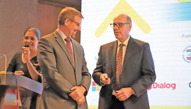 USAID Mission Director for Sri Lanka and Maldives Reed  J. Aeschliman and YouLead Project Director Charles Conconi at the launch of youlead.lk web portal.