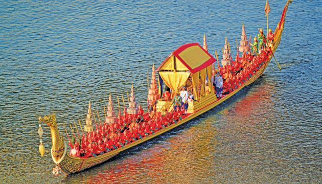This handout picture taken and released by Thai Royal Household Bureau on Thursday shows Thailand's King Maha Vajiralongkorn's Royal barge during the barge procession in Bangkok. - The Royal barge procession is the final event of the coronation of Thailand's King Maha Vajiralongkorn. - AFP