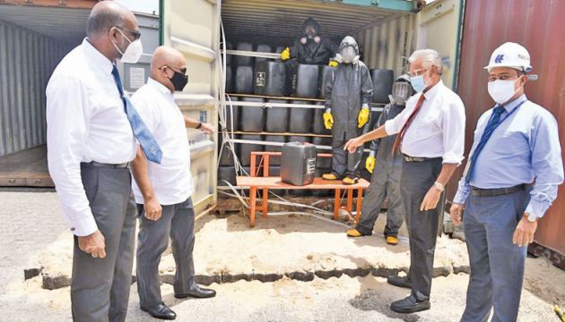 The Chemical Leaked Container being re-worked at the dangerous cargo area of  the SAGT of the  Port of Colombo. SLPA Chairman Captain Nihal Keppetipola, Harbour Master Captain Nirmal Silva, SAGT CEO Romesh David, and   Lalith Witanachchi –  Hapag-Llloyd Lanka (Pvt.) Limited CEO were present.