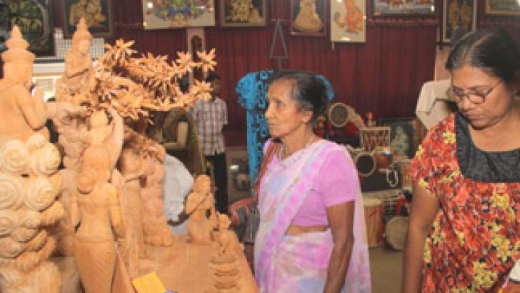 'Hastha 2013' Exhibition in Colombo attracted a large crowd. Picture by Nissanka Wijertane