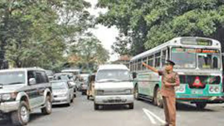 Motorist do not have the power to interfere with duties of traffic policemen. - File picture