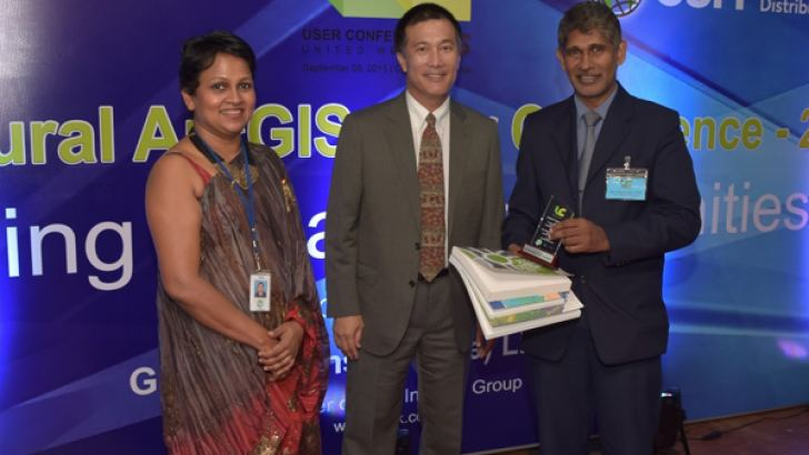 ArcGIS Solutions CEO Ashani Jayasinghe, Micheal Quin, MD and GM Asia Pac Esri Global, Surveyor General PMP Udayakantha