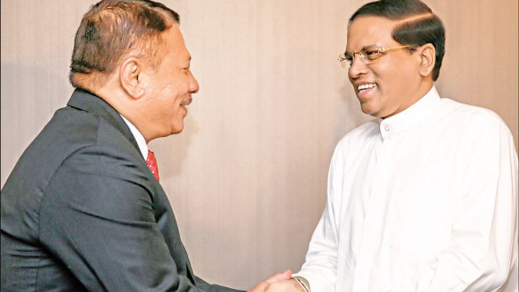 President Maithripala Sirisena meets Nepal's Deputy Prime Minister Prakash Man Singh Meet in New York on Wednesday. Ministers Mahinda Samarasinghe, Dr. Wijayadasa Rajapakshe and D. M. Swaminathan and Governor Austin Fernando were also present. Picture by Sudath Silva, President's Media Unit