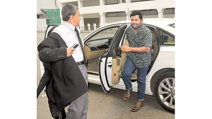 Sivanesathurai Chandrakanthan arriving at the CID. Picture by Rukmal Gamage