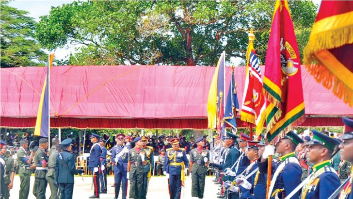 Army Commander Lieutenant General Crishanthe de Silva inspects a guard of honour at the  66th Army anniversary, dubbed as Army  Day at the Panagoda 6 Sri Lanka Artillery grounds on Saturday. Picture by Gayan Pushpika