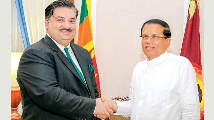 Pakistan's Federal Commerce Minister Khurram Dastgir Khan called on President Maithripala Sirisena at President's Secretariat last evening. He was accompanied by Pakistan's High Commissioner in Sri Lanka Maj. Gen. (R) Syed Shakeel Hussain, Deputy High Commissioner Dr. Sarfraz Sipra and Director Ahsan Riaz Chaodhry.