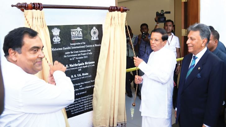 President Maithripala Sirisena and Indian High Commissioner at the inauguration