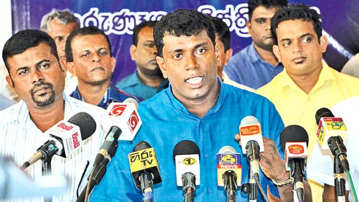 Some of the former SLFP local government members at the press conference.  Picture by Kurunegala additional cor