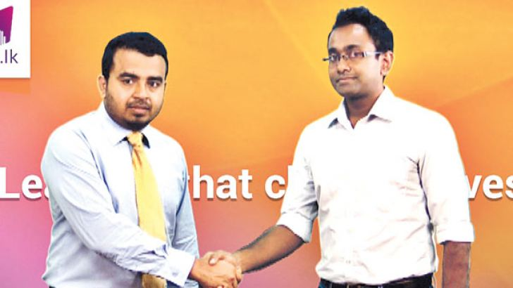 Hasitha Dela, Director and CEO of Headstart with Lahiru Kariyawasam, one of the latest followers of Guru.lk's new course which had more than 2,000 followers in the first 15 days after its launch