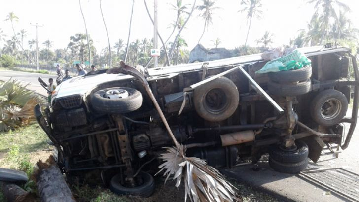 The badly damaged lorry. Picture by M.A.Phakurdeen, Addalaichenai group correspondent