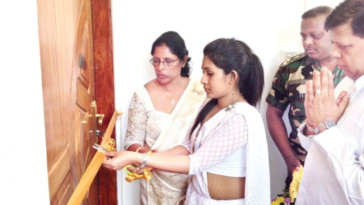 Wasanthi Pothupitiya participates in the opening of the  library