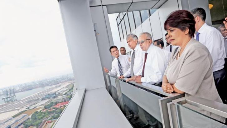 Prime Minister Ranil Wickremasinghe and his delegation inspecting the Singapore port