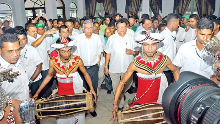 Prime Minister Ranil Wickremesinghe arriving at the UNP membership drive in Kandy