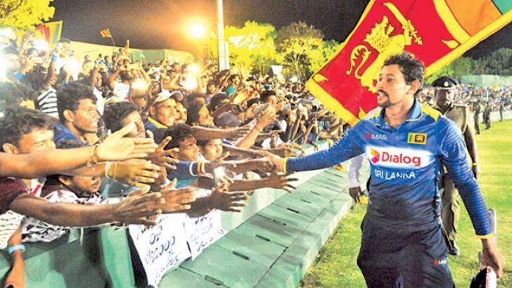Tillakaratne Dilshan a favourite with the public.