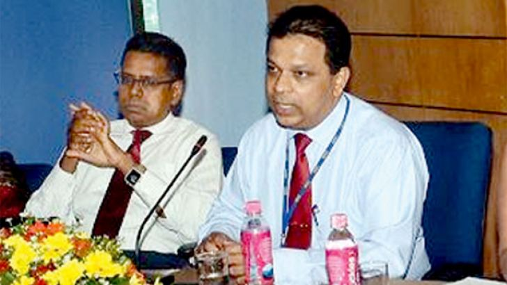 HNB Managing Director and CEO Jonathan Alles and Chief Operating Officer Dilshan Rodrigo at the forum. Picture by Wimal Karunatilleke.