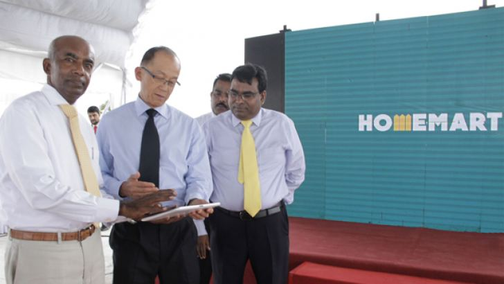 St. Anthony's Group Managing Director, S.R. Gnanam, MD, St Anthony's Hardware, M. Thayananthan, and MD, WATERTEC Malaysia SDN BHD, Low Han Sin at the event. Pictures by Saliya Rupasinghe