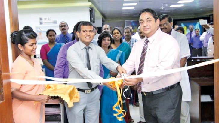 Dr Lasantha Karunasekera, Director and General Manager of Hemas Hospital Wattala and Managing Director of Hemas Hospitals, Dr. Lakith Peiris opening the revamped Radiology Department.