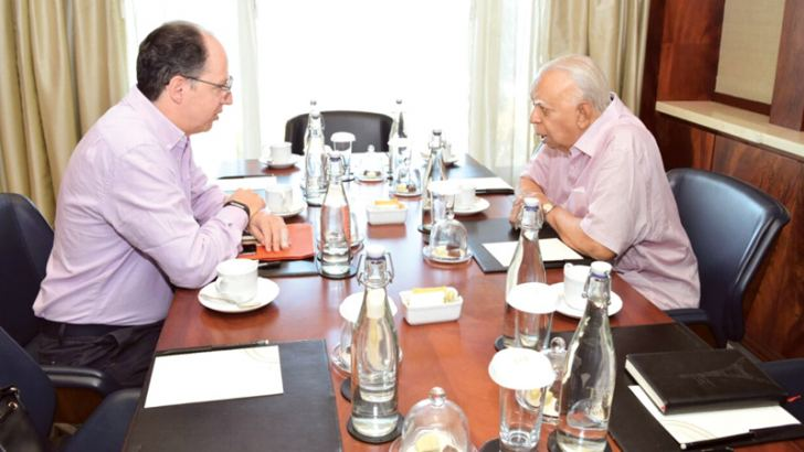 United Nations Special Rapporteur on Promotion of Truth, Justice Reparation and Guarantees of Non-Recurrence, Pablo de Greiff, in discussion with Opposition Leader R. Sampanthan.