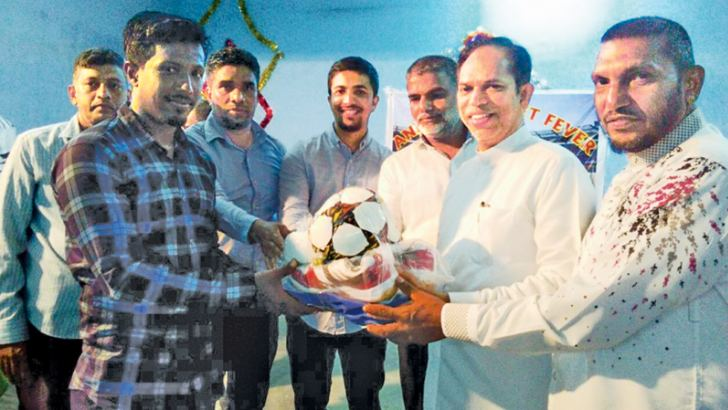 Rehabilitation and Resettlement State Minister M.L.A.M.Hisbullah handing over Sports gear to Kuba sports club in Kattankudy