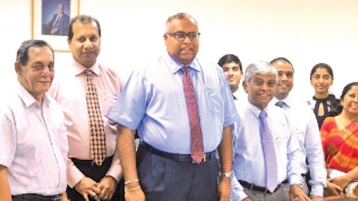 Samantha Ranatunga (Group CEO/MD – CIC Holdings PLC), Jayantha Rajapakse (Chairman/MD - Unipower (Pvt) Ltd)and other officials after the signing