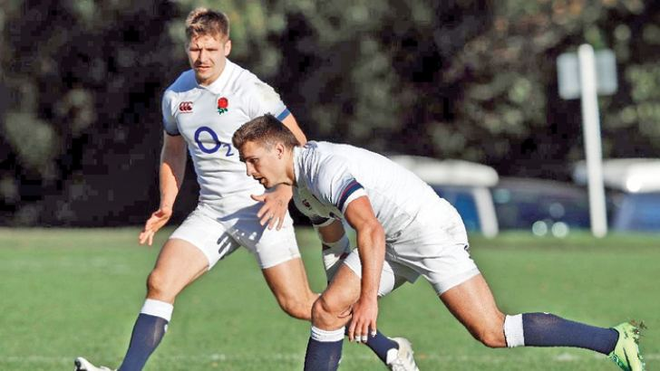 England's Piers Francis (L) and Henry Slade attend a training  session on November 23. AFP