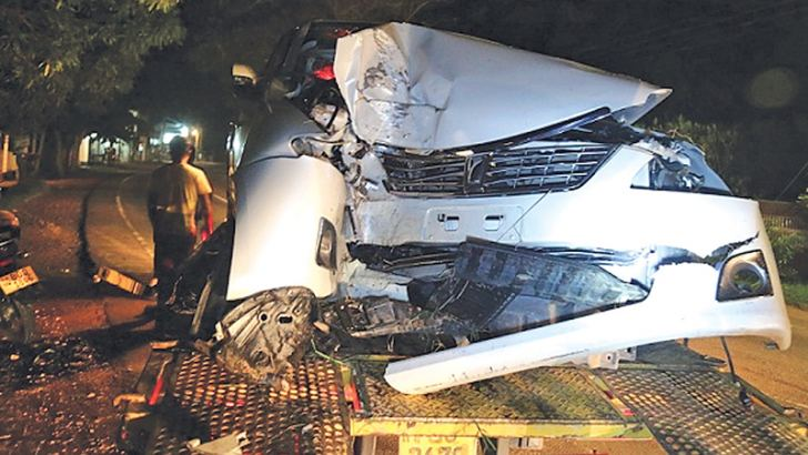 The wrecked vehicle. (Picture by Prasad Poornamal)