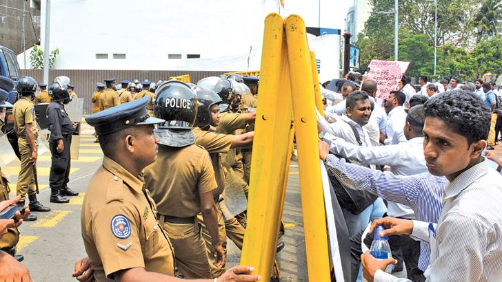 Government surveyors in protest in Fort.  Picture by Sarath Peris