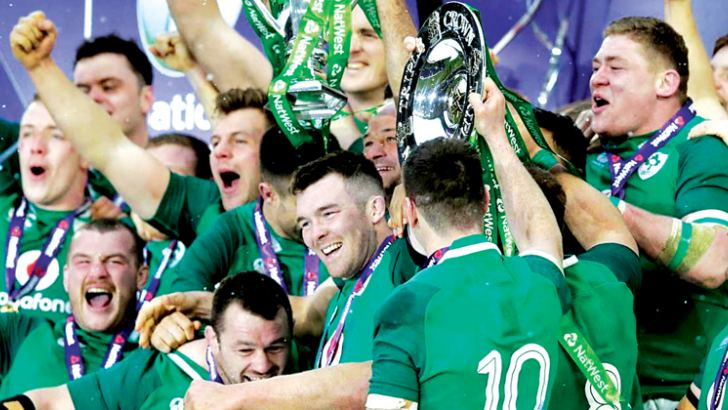 Ireland celebrate rare Grand Slam by beating England.